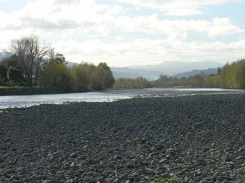 Hutt River at Naenae, 9 June 2005