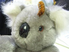 rabbit(0.0), pet(0.0), koala(0.0), teddy bear(1.0), textile(1.0), plush(1.0), stuffed toy(1.0), toy(1.0),