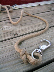 rein(0.0), jewellery(0.0), chain(0.0), knot(1.0), iron(1.0), rope(1.0),