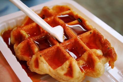 waffle with caramel or something