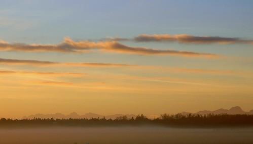 sun fog clouds sunrise munich geotagged january onthewaytowork 2007 geolat48055509 geolon11705632