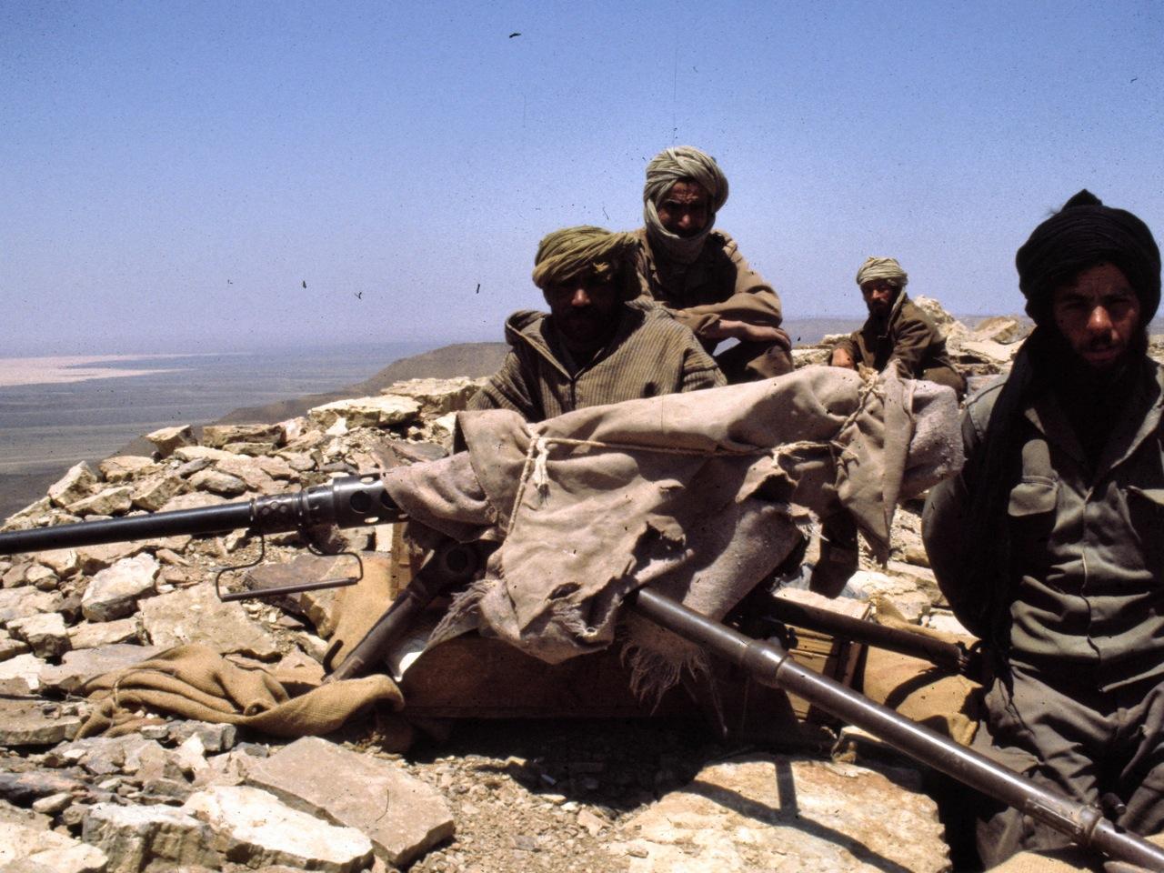 Photos de nos soldats et des Bases Marocaines - Page 2 394637770_aee930d8cd_o
