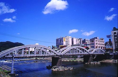 I560三峽拱橋