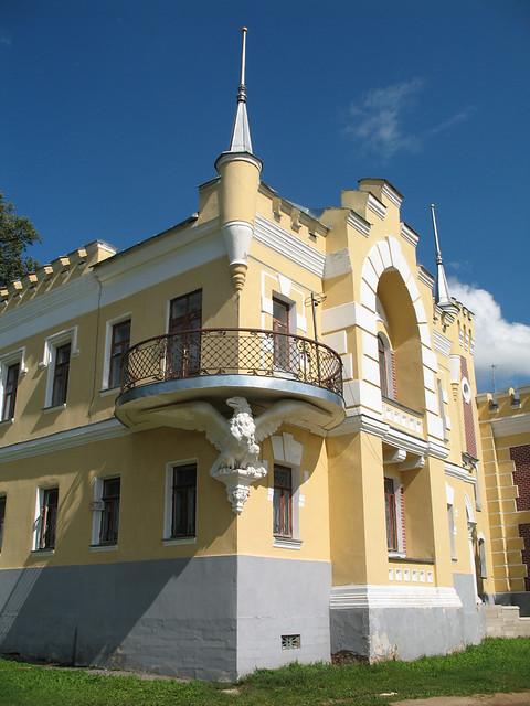 Von Derwis' House | Flickr - Photo Sharing!: http://flickr.com/photos/fomin/327434290