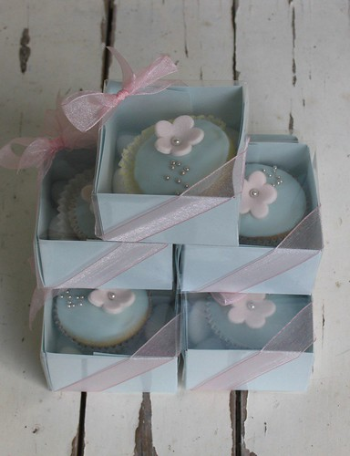 Boxed Wedding Cupcakes