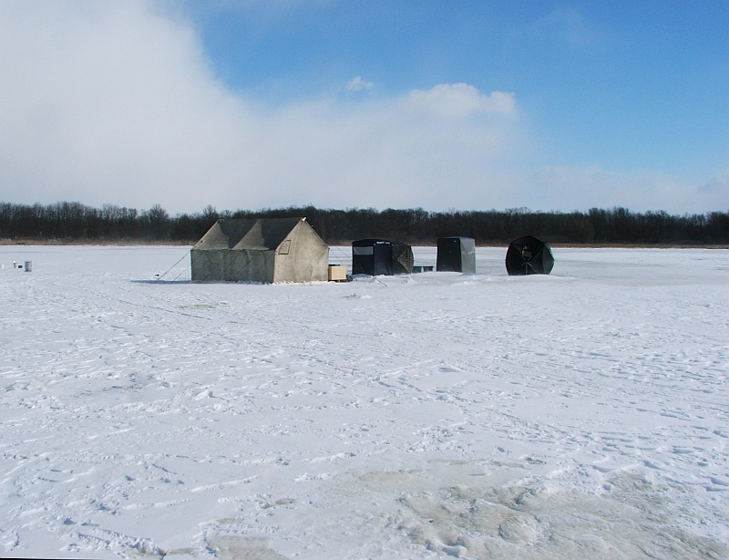 Tom gill 39 s photos and comments ice fishing on fish lake for Ice fishing indiana