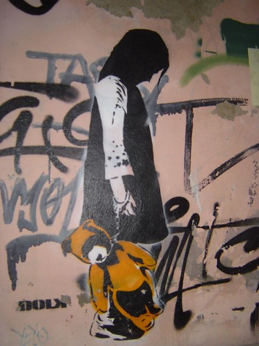 Dolk (thought it was Banksy) in Lisbon 07