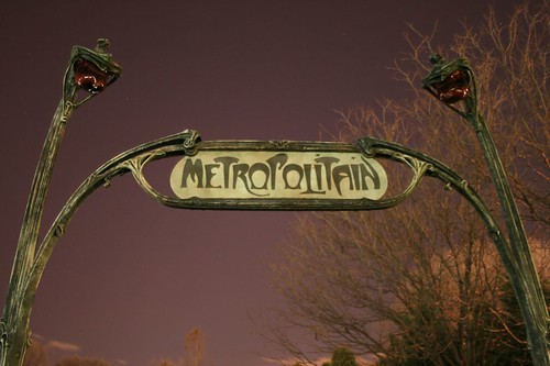 An Entrance to the Paris Métropolitain