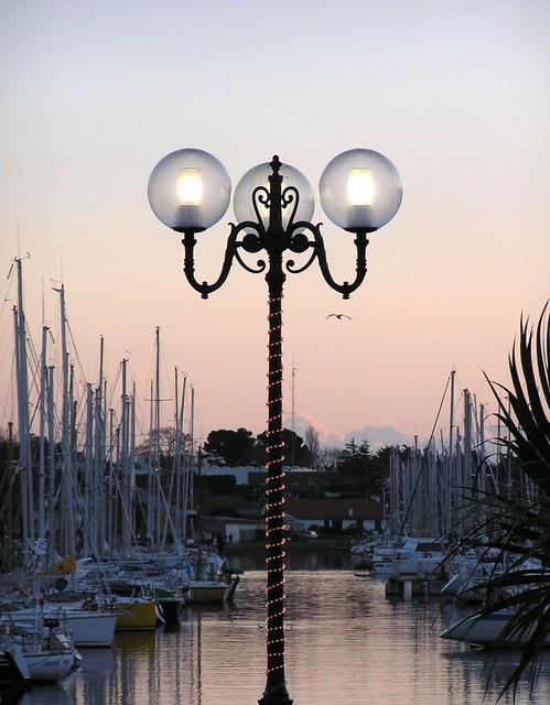 lampadaire sur le port de vannes flickr photo sharing. Black Bedroom Furniture Sets. Home Design Ideas