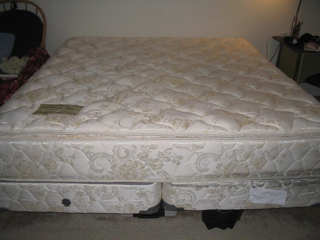 American Signature Pillow Top KING size Mattress Set with