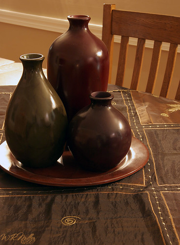 Modern table centerpieces modern table antique black for Black dining table centerpiece