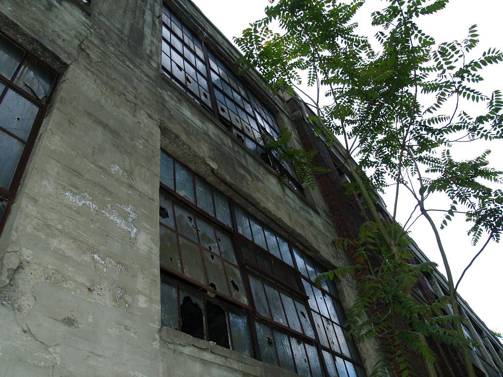 kings mills Cincinnati, oh new, kings automall sells and services gmc, volkswagen, lexus, ford, ram, infiniti, nissan, dodge, jeep, mazda, kia, buick, porsche, chevrolet, toyota.