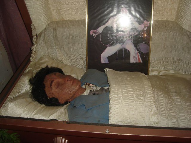 elvis s corpse flickr   photo sharing