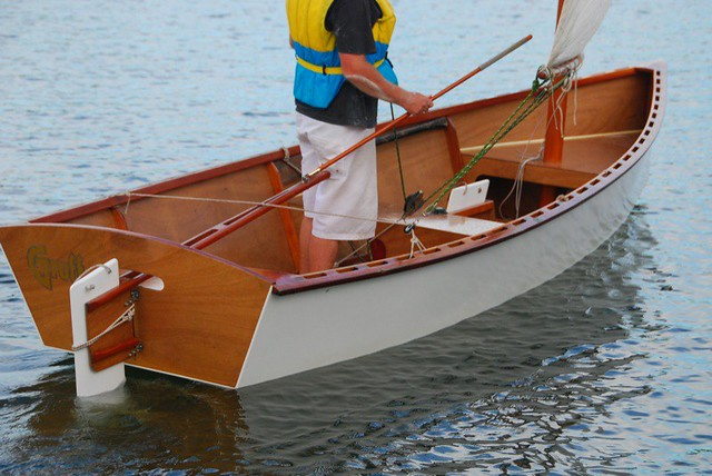 learn to sail - without steering using a tiller extension you cannot sit in the right place for best speed.
