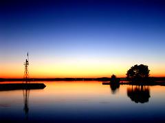 Couché de soleil sur le port de lacanau