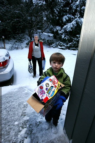 nick absconds with the candy box    MG 9229
