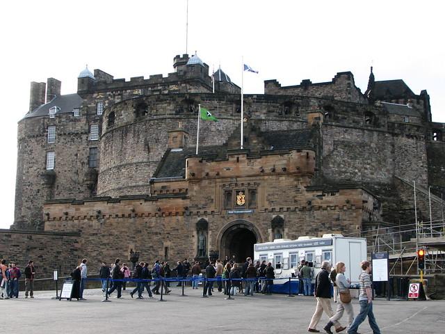 Edinburgh Castle by CC user glenbowman on Flickr