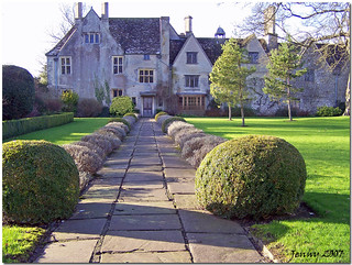 Avebury Manor  House
