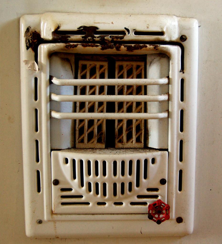 Space heater for bathroom 28 images bathroom heater for Small bathroom heater