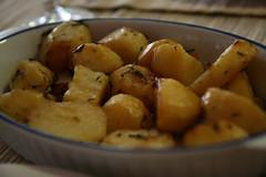 plant(0.0), vegetable(1.0), potato(1.0), produce(1.0), food(1.0), dish(1.0), cuisine(1.0), root vegetable(1.0),
