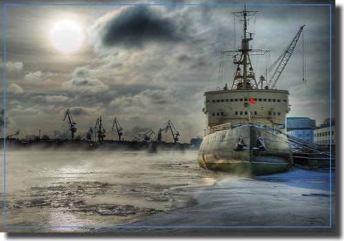 City at 60 degrees North / Icebreaker Krasin