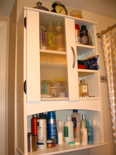 Your Summer Medicine Cabinet: 5 Tips for a Healthier Family