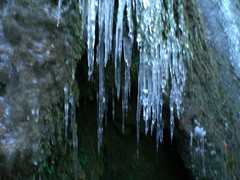 pit cave(0.0), stalactite(1.0), ice(1.0), icicle(1.0), cave(1.0),