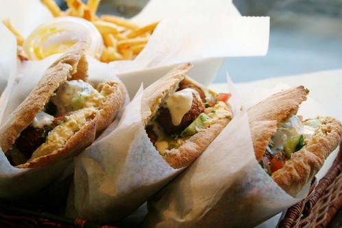 falafel pita sammich trio!