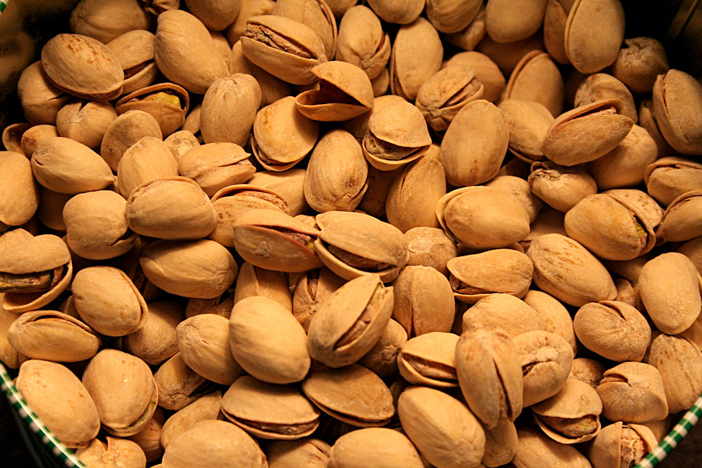pistachios nuts, dry roasted, without salt added