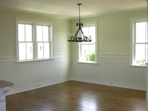 Dining Area With Wainscoting ~ If you have beadboard or wainscoting in your dining room