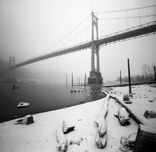 St Johns Bridge, snow, 45 seconds