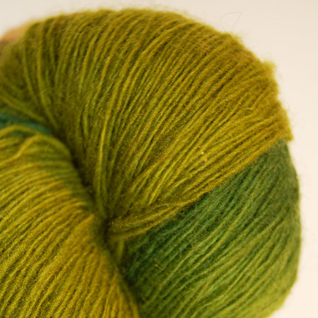 One thread wool yarn