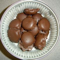 chocolate ice cream(0.0), chocolate truffle(0.0), chocolate balls(0.0), mushroom(0.0), produce(0.0), edible mushroom(0.0), bonbon(1.0), food(1.0), chocolate(1.0), praline(1.0),