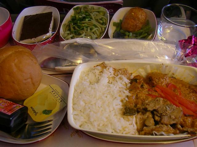 Thai airways breaks into the dinner game airtreks travel for Air thai cuisine