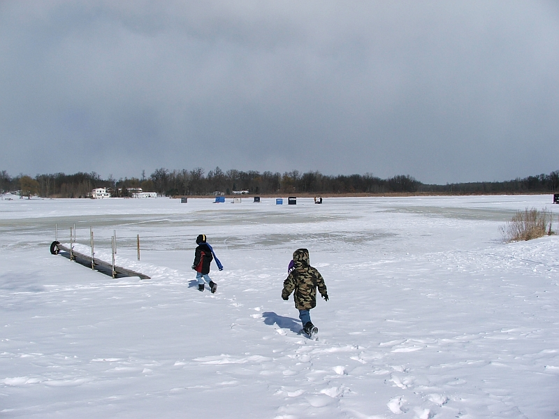 Tom gill 39 s photos and comments 35th annual ice fishing derby for Ice fishing indiana