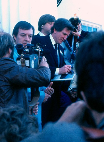 Gary Hart Signing Autographs