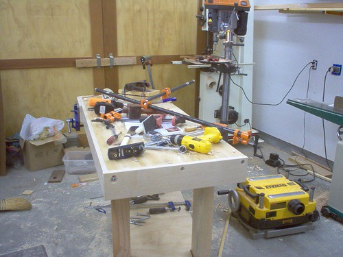 How many tools does it take to install a workbench skirt?