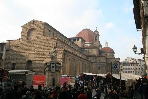 San Lorenzo and its market