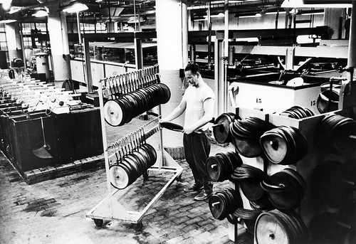 record_manufacturing_1954_05