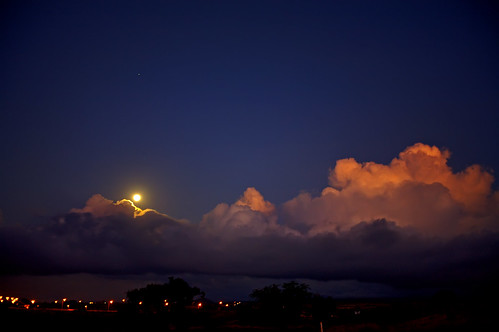 sunset moon clouds stars hawaii village orb luna explore saturn waikoloa spectnight icantseemtocomeupwithanymoretags