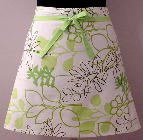 Retro Apron in Lime