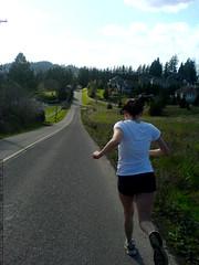 megan running down bergis road   DSC00065