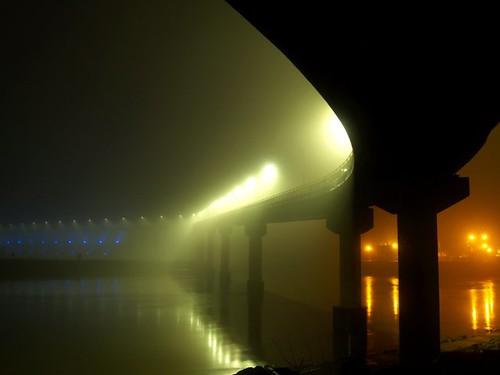 Big Dam Bridge in fog