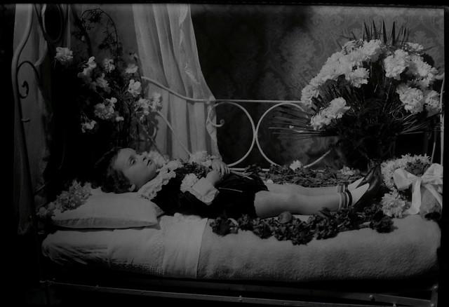 La morte lo colse nel fiore della giovinezza | Flickr ...