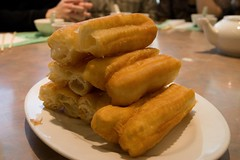 dim sum food(0.0), meal(0.0), egg roll(0.0), produce(0.0), dessert(0.0), breakfast(1.0), fried food(1.0), food(1.0), dish(1.0), youtiao(1.0), cuisine(1.0),