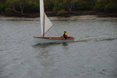Goat Island skiff planing - see second wave (incorrectly sternwave) is about 2/3 the boat length behind the transom.