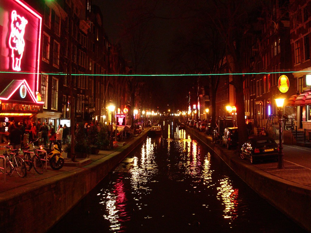 De wallen hotels amsterdam rates from just 55 for Amsterdam low cost hotel