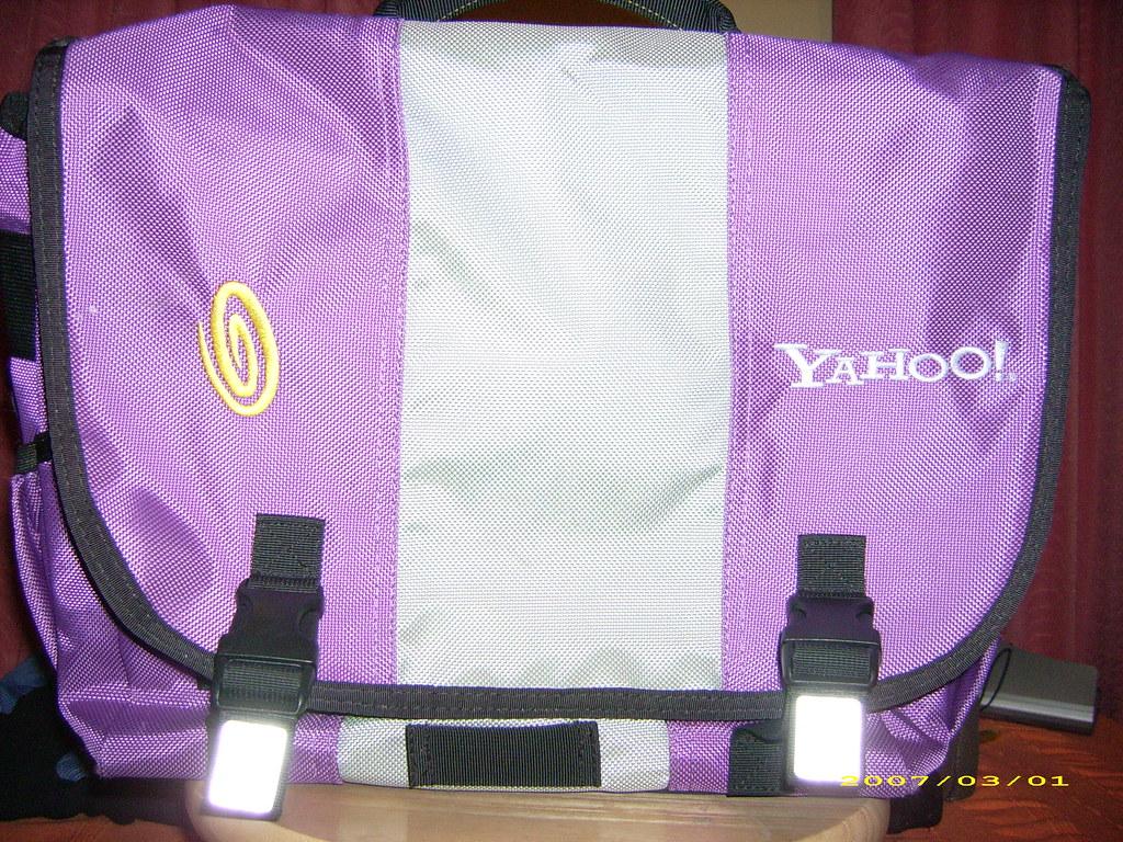 Yahoo! timbuk2 bag