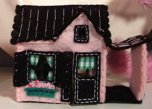 close up of my new felt house from Esther!!