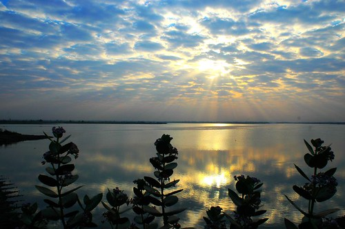 lake silhouette clouds sunrise ilovenature searchthebest gujarat babel 3ofakind ondia goldenphotographer ishflickr